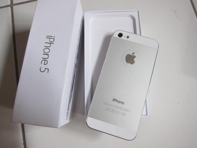 Foto: Apple iPhone 5 64GB White Fu Mulus